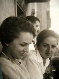 Gloria y Angelita, mi madre y la suya
